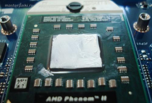 наносим свежую термопасту на процессор ноутбука Acer Aspire 5551
