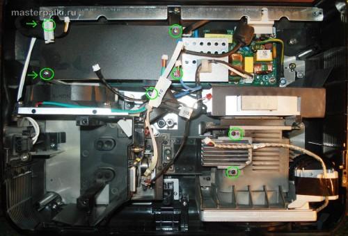 снимаем динамик и плату поджига лампы DLP проектора Acer DNX0811