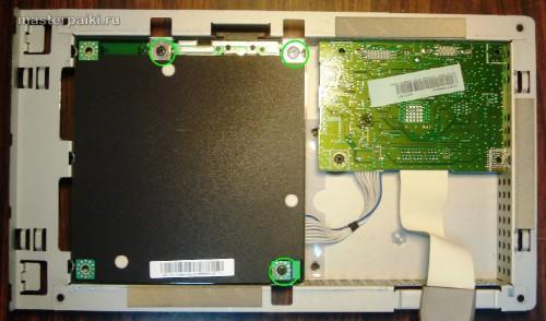 откручиваем плату блока питания и подсветки монитора Samsung SyncMaster 961BF