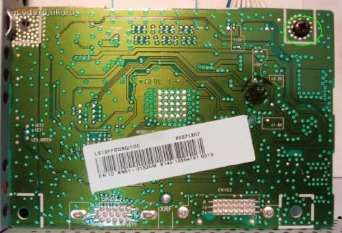 снимаем сигнальную плату монитора Samsung SyncMaster 961BF