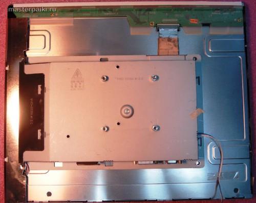 под задней крышкой монитора Samsung SyncMaster 961BF
