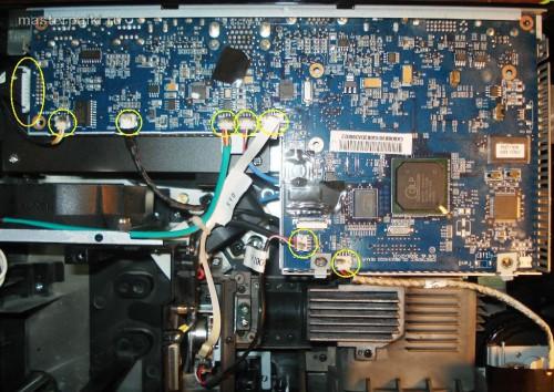 отсоединяем шлейфы платы DLP проектора Acer DNX0811