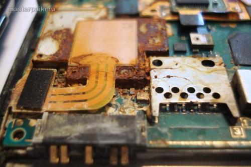 попала вода внутрь смартфона Sony Ericsson Xperia Arc S LT18i