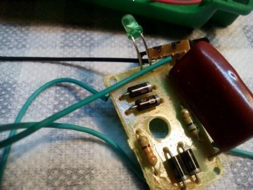 плата зарядного устройства китайского фонарика и ее неисправности