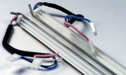 Как выглядят провода ламп подсветки исправного монитора