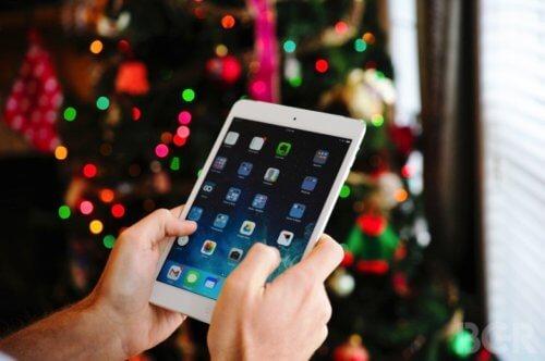 на новый год принято дарить планшеты от эппл например ipad mini 4