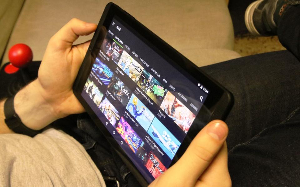 игровой ноутбук предназначен справляться даже с болшими противниками