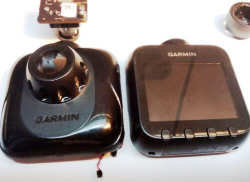 две половинки при разборке авторегистратора Garmin GDR 35