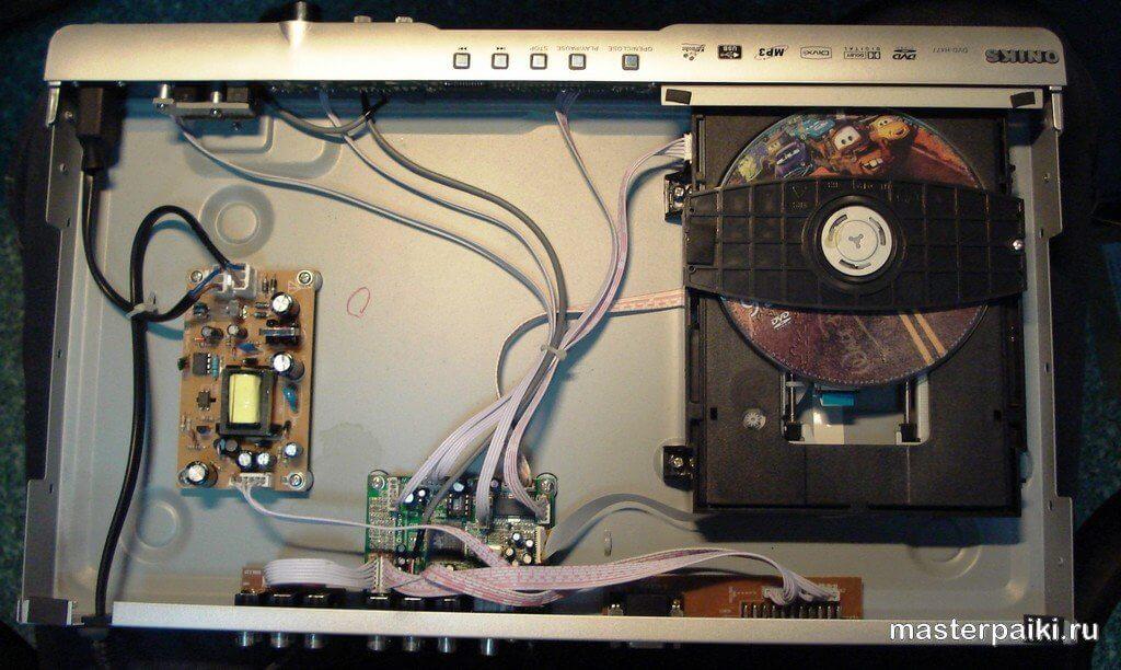 внутренности DVD-плеера ONIKS DVD-H477