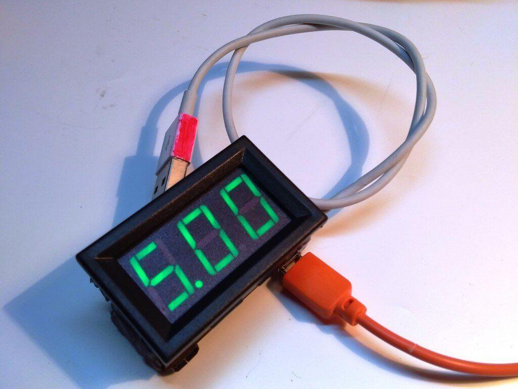 проверка кабеля портативной колонки Charge 7