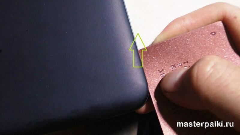 отщелкиваем заднюю крышку планшета ASUS Transformer Pad TF103C