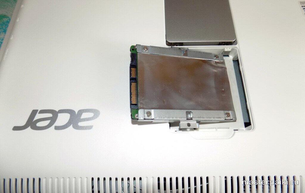 приподнять жесткий диск моноблока ACER Aspire Z1-612