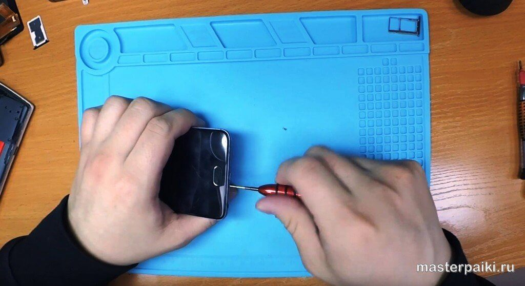 открутить винты Meizu M5 Note
